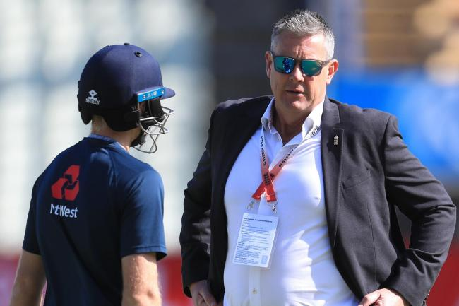 Ashley Giles (right) believes one coach is the right way forward