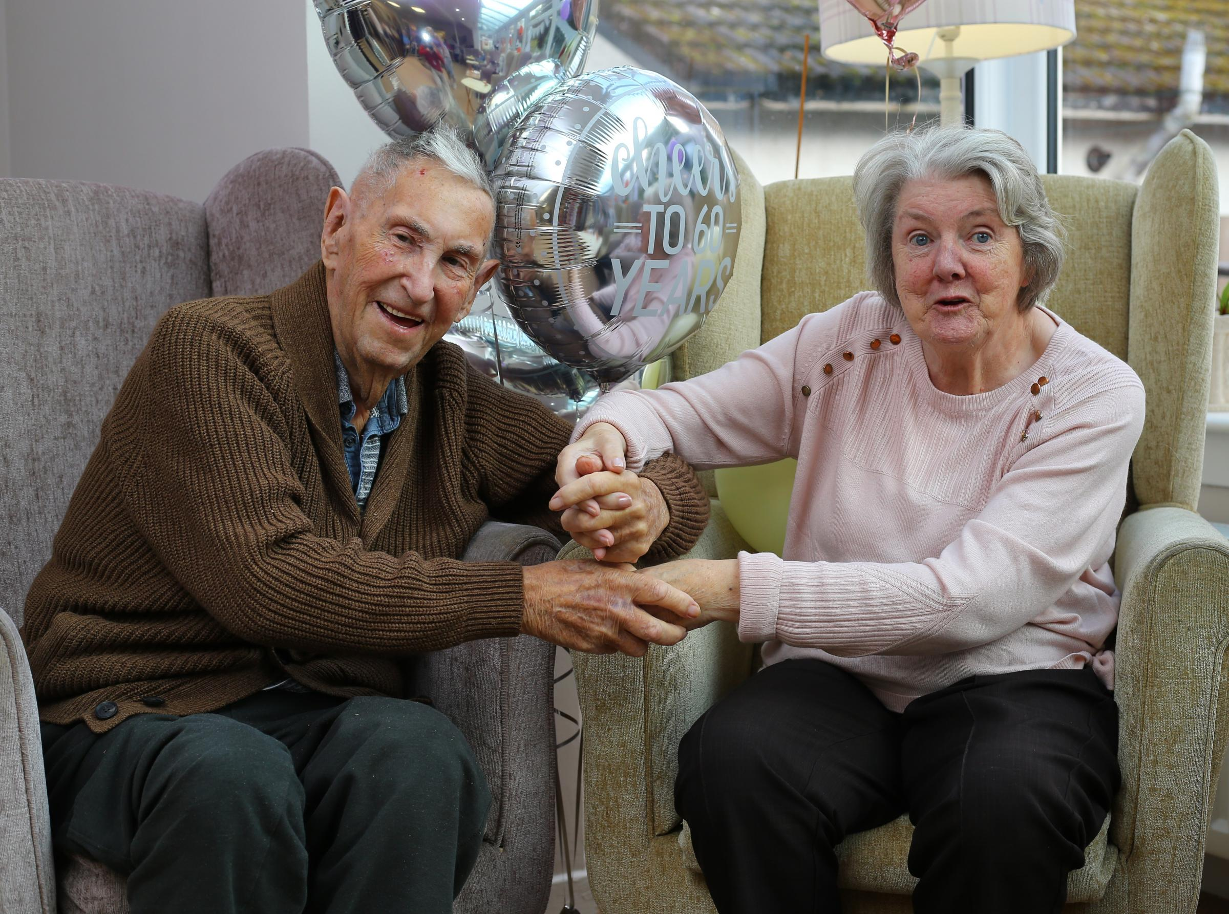 Diamond day as Barrhead happy couple toast 60 years of married bliss - Barrhead News