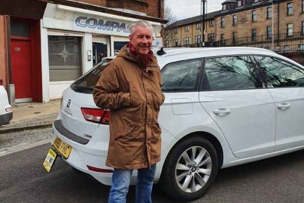 Barrhead cabbie Kenny Docherty is displaying true community spirit