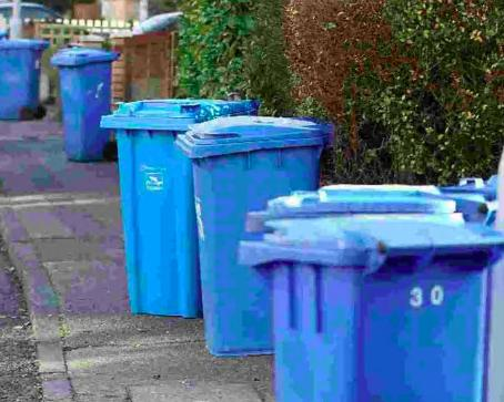 Council chiefs reinstate blue bin collectionsv