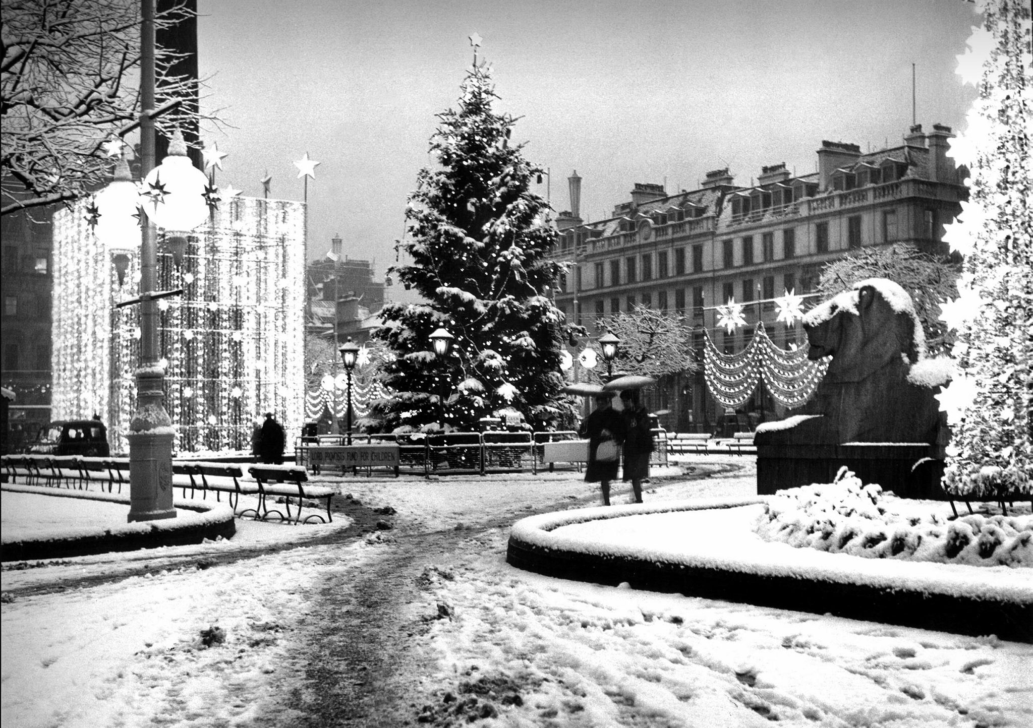 Are you in the Christmas spirit yet? These stunning old photos of ...