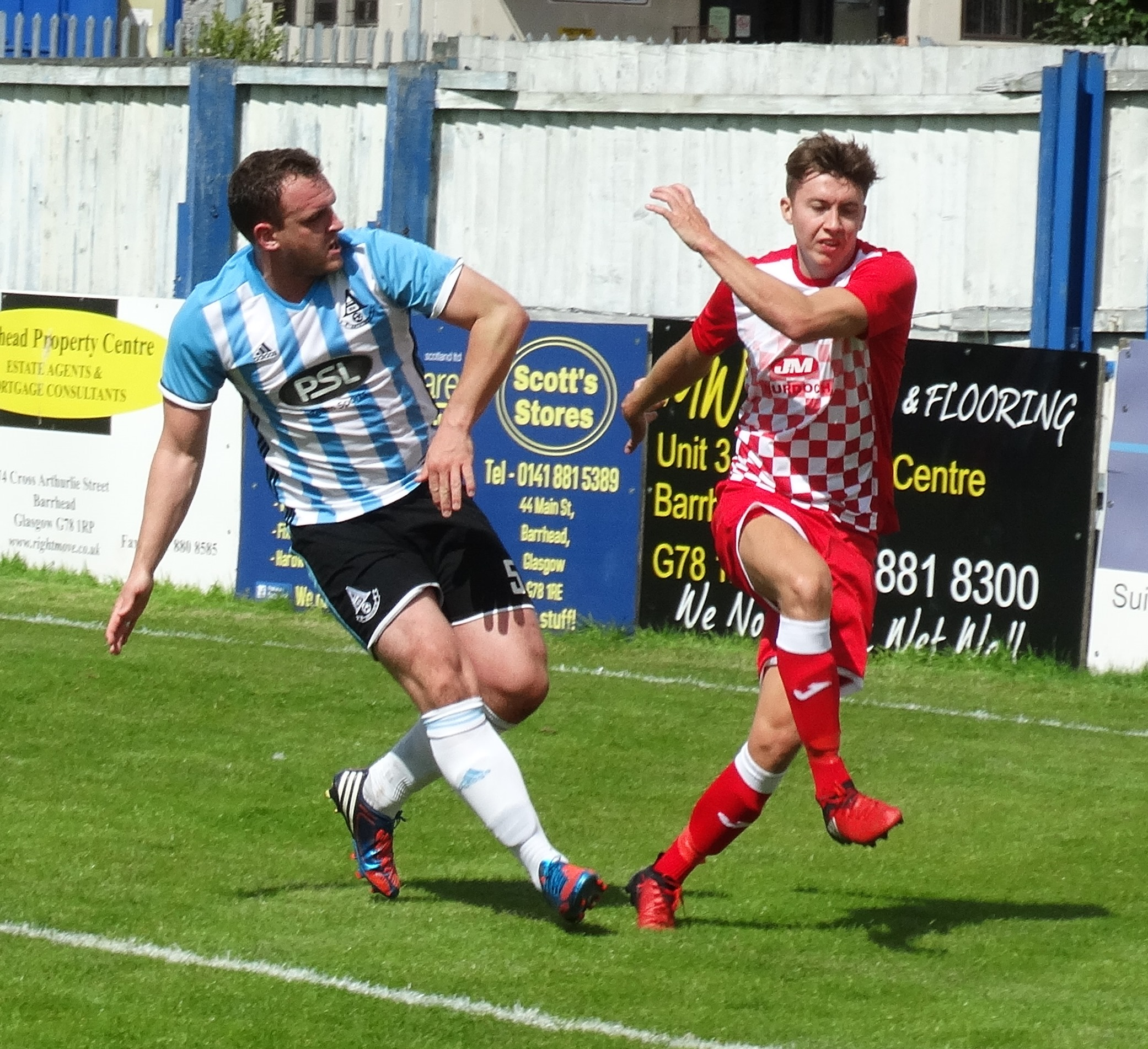 Chris Walker closes down Neilston's Martin Curren