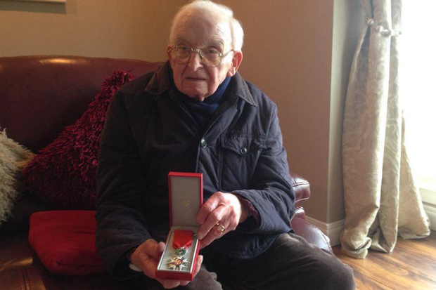 Touching tributes to D-Day veteran Robert