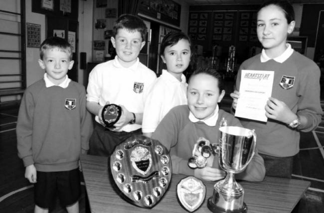 Uplawmoor kids with trophies