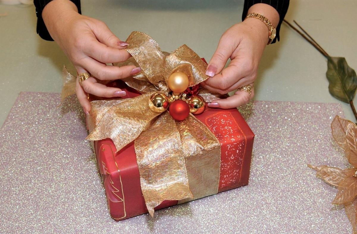 Barrhead residents urged to 'play Santa' in gift drive for needy kids